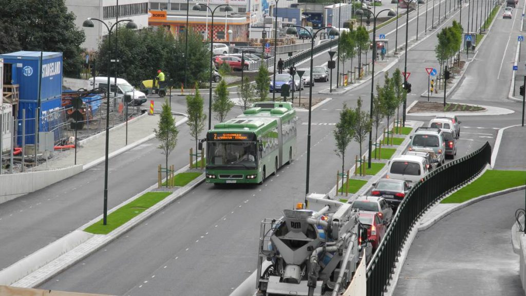 Euractiv: Four cities call for multi-billion-euro clean bus fund