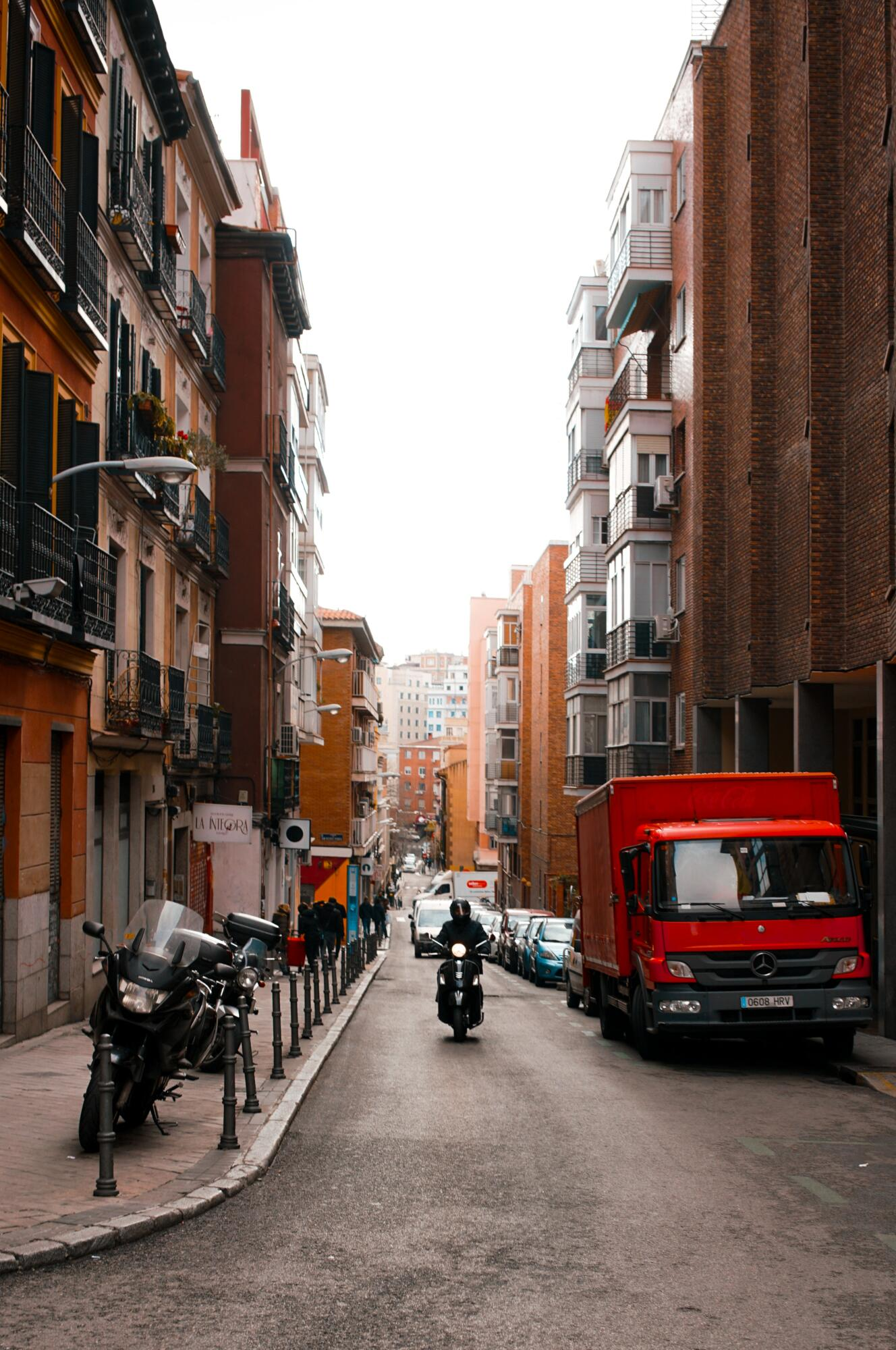New multi-language survey to map challenges and trends in urban freight transport