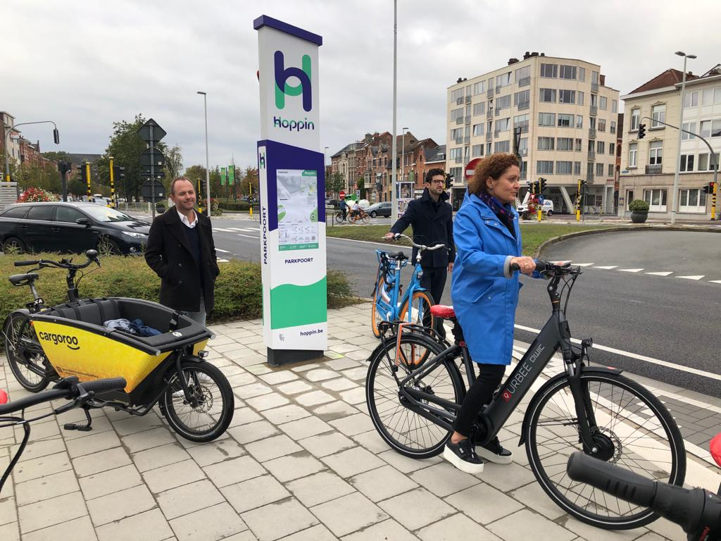 Leuven inaugurates its first eHUBS at the Car-free day