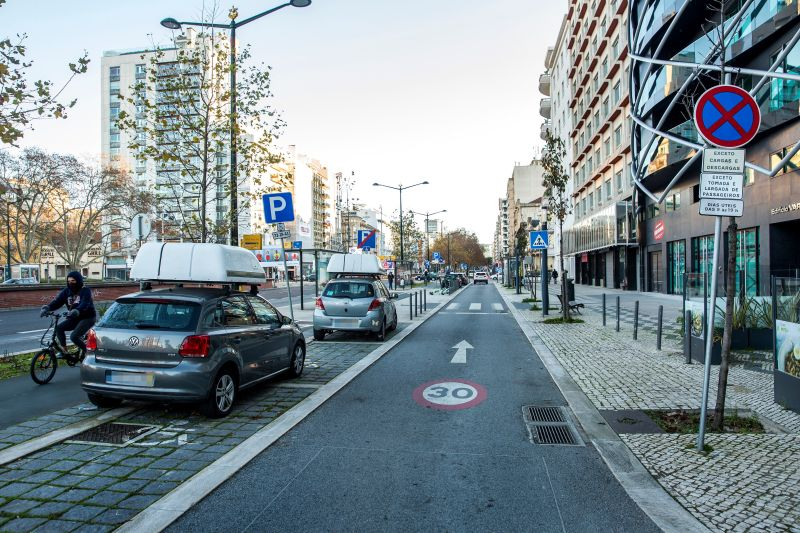 Procurement of parking space monitoring solution for freight in Lisbon