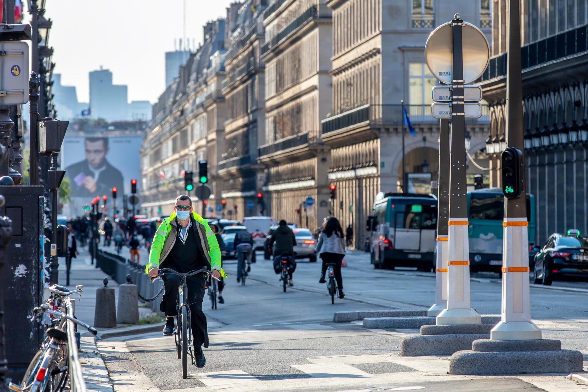 Paris extends 30 km/h speed limit to most city streets